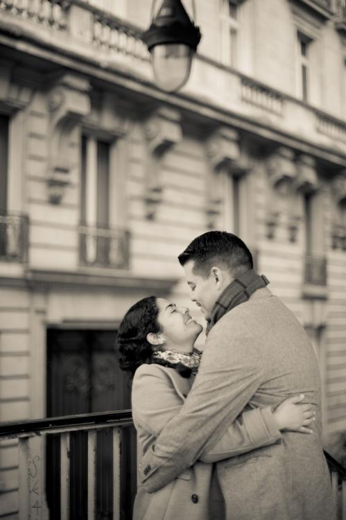 Juliane_Berry_Paris_Engagement_Photographer_04