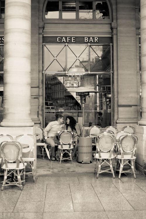 Juliane_Berry_Paris_Engagement_Photographer_17