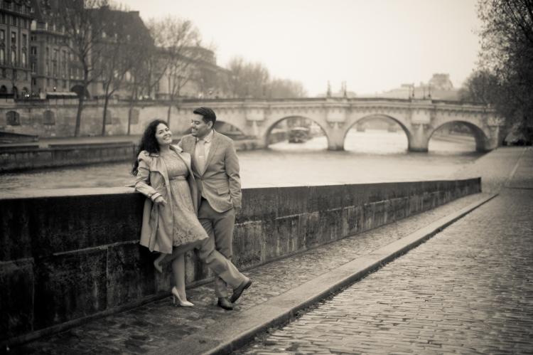 Juliane_Berry_Paris_Engagement_Photographer_19