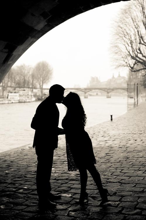 Juliane_Berry_Paris_Engagement_Photographer_21