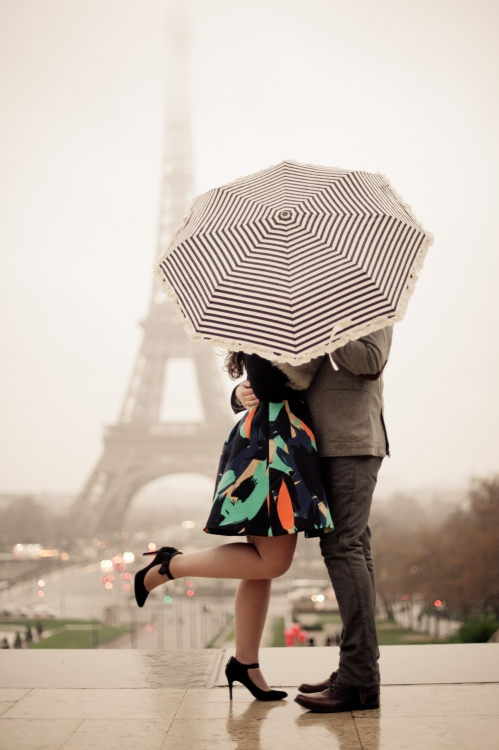 Juliane_Berry_Paris_Engagement_Photographer_06