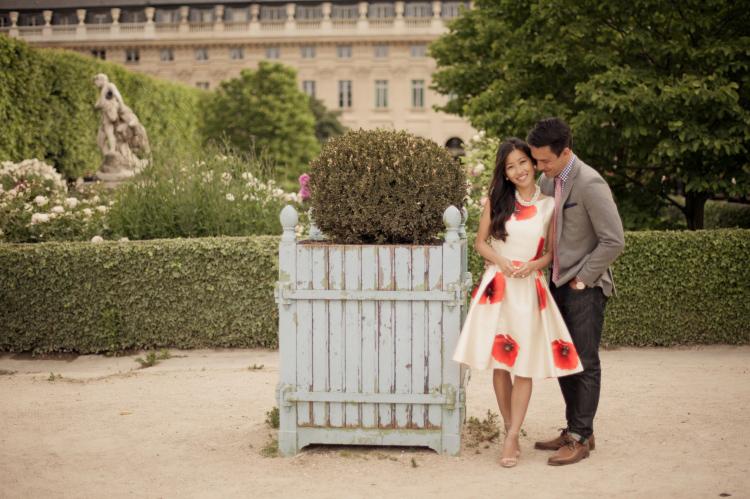 Juliane_Berry_Paris_Engagement_Photographer_01